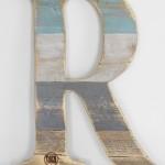 Gotowa litera zrobiona z palety