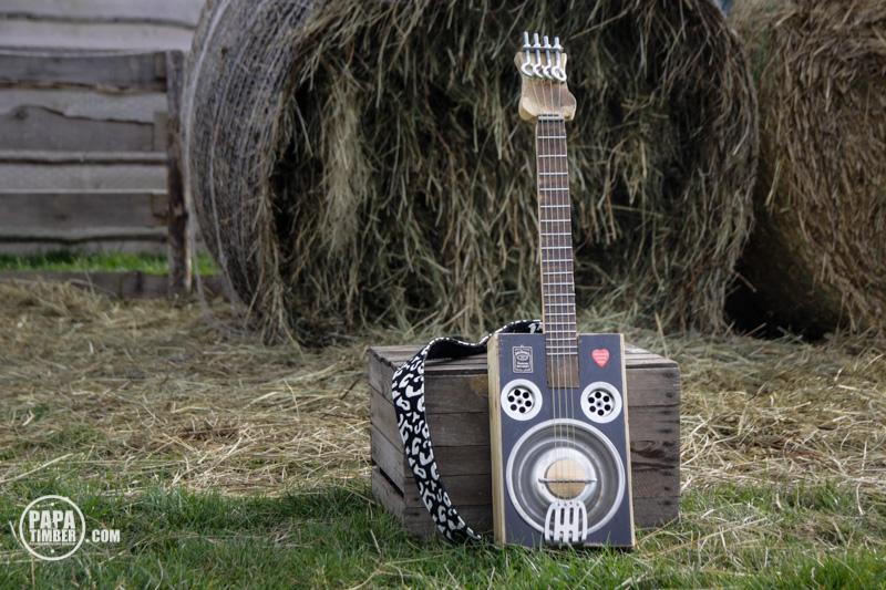 cigarbox guitar - gitara z niczego papatimber